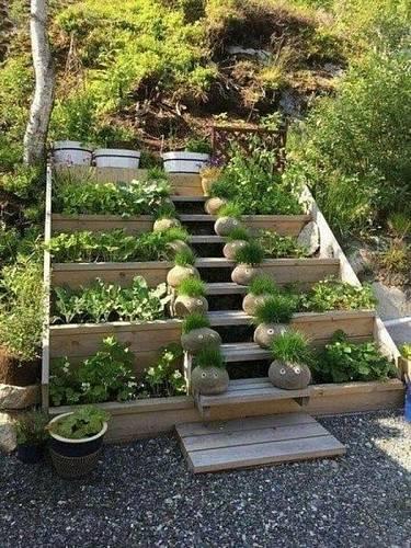 Zahrada ve svahu