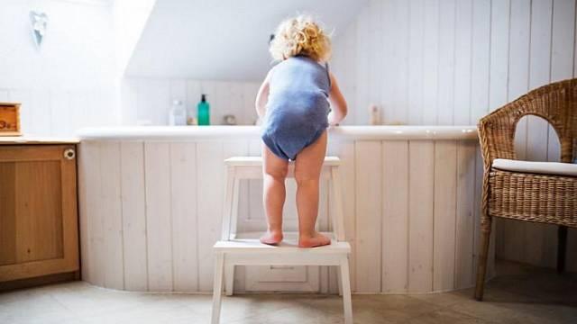 Děti v koupelně