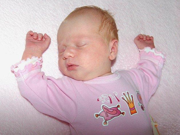 Martině a Bohuslavovi Jablonovským z Bohušovic nad Ohří se 4.4 v 10:30 hodin narodila v Litoměřicích dcera Julie Jablonovská (3,6 kg a 51 cm).