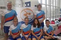 Zleva trenér Petr Kurc, Denis Ševčík, Tereza Dieneltová, Marie Zikmundová, Radim Šebl a Filip Musil.