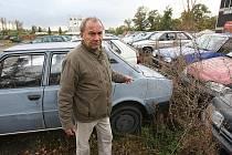DESÍTKY OJETIN skladují na svém dvoře Technické služby města Litoměřice. Majitelé se k nim nehlásí.