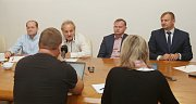 K uzavření koaliční smlouvy mezi stranami ODS, Severočechy a hnutím Sport a zdraví došlo ve středu dopoledne na litoměřické radnici.