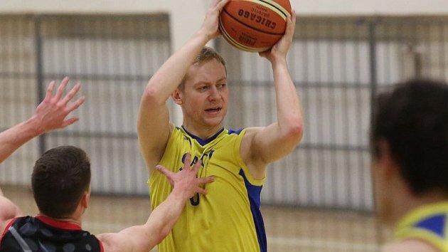 Basketbalisté Slavoje Litoměřice v akci.