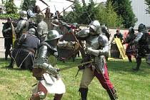 DO UKÁZEK se zapojilo sto rytířů.