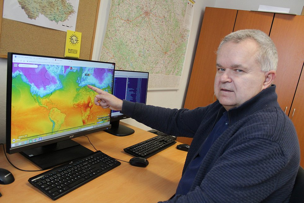 Martin Možný v hydrometeorologické observatoři v Doksanech. Archivní foto