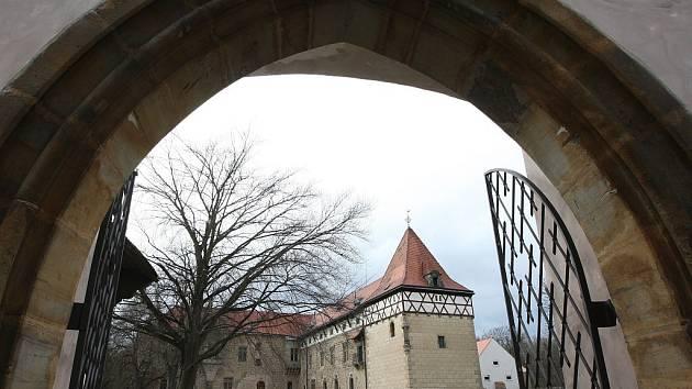 Vodní hrad v Budyni nad Ohří.