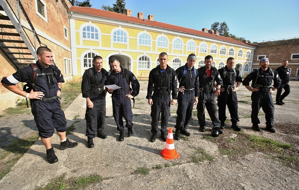 Policejní mistrovství ČR speciálních pořádkových jednotek pokračovalo ve čtvrtek 6. září v Litoměřicích a Terezíně