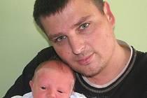 Lucii a Radku Benešovým z Děčan se v litoměřické porodnici 14. května v 10.24 hodin narodil syn Daniel Beneš. Měřil 49 cm a vážil 3,18 kg. Blahopřejeme!