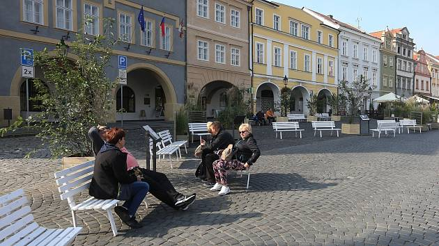 PROVIZORNÍ PĚŠÍ ZÓNA na Mírovém náměstí v Litoměřicích.