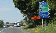 Opravy části dálnice u obce Nová Ves způsobují na Litoměřicku dopravní problémy. Houstne doprava v obcích, kde vede stará silnice E55.
