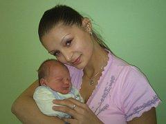 Michaele Burgerové a Romanu Tučkovi z Litoměřic se 6.10. ve 20.39 hodin narodil v Litoměřicích syn Matyáš Tuček (52 cm, 3,74 kg).