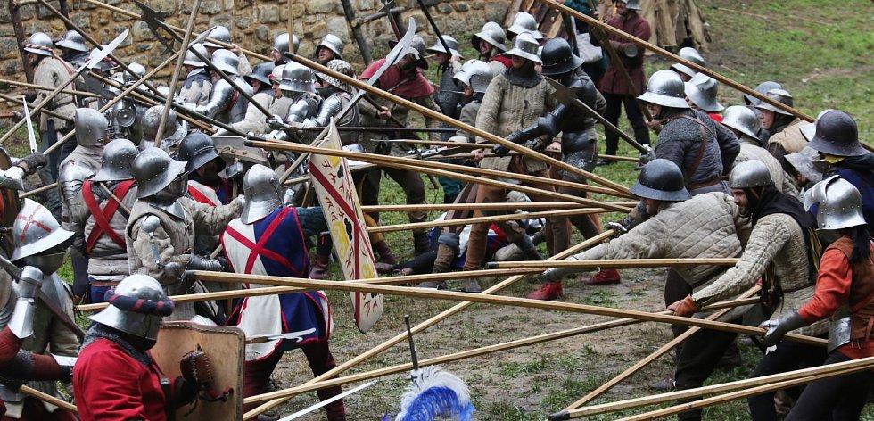 Tradiční středověká bitva na Vodním hradu v Budyni nad Ohří, 2019