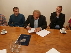 Podpis koaliční smlouvy v Litoměřicích