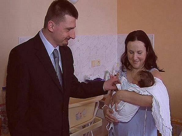 První dítě letošního roku v roudnické nemocnici přišlo na svět 1. ledna 2010 v 5 hodin a 45 minut.  Jmenuje se Antonín Votava, měří 52 cm a váží 3770 g. Za maminkou zavítal starosta města Josef Bakeš.