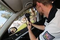 Dopravní policisté měří rychlost při akci Speed Marathon 2019