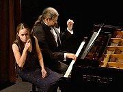 Koncert učitelů v litoměřickém divadle.