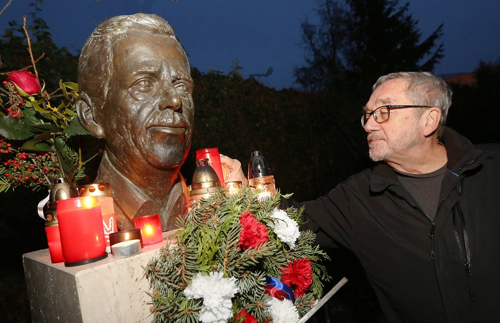 Vzpomínkový akt na den úmrtí prezidenta Václava Havla proběhl v úterý v Litoměřicích.