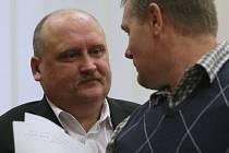 Soud s expolicistou Petrem Hladkým, jenž měl brát úplatky