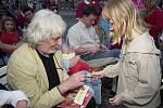 Projekcí na náměstí v Litoměřicích (30.6.2004) si na natáčení filmu Páni kluci zavzpomínali Petr Hapka jako autor hudby k filmu, režisérka filmu Věra Plívová Šimková a Michal Dymek jako filmový Tomáš.