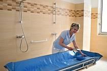 První z nových koupelen litoměřické nemocnice již slouží pacientům