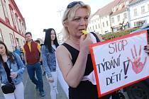Celostátní pochod proti týrání dětí  v Libochovicích.
