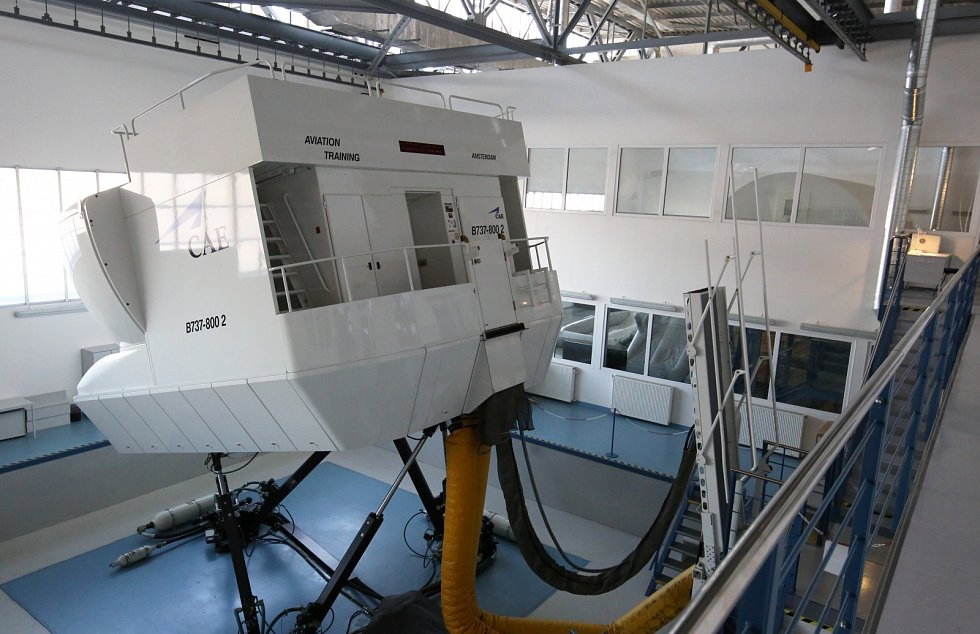 Výcvikové středisko pro dopravní piloty a palubní personál z letiště Praha-Ruzyně