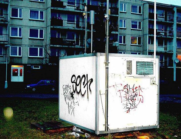 MĚŘÍCÍ stanice ČHMŮ se nachází  v Seifertově ulici v Litoměřicích. Ta  kromě prachu zaznamenává i koncentraci SO2 či NO2.