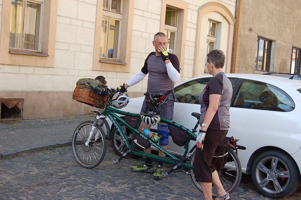Nevidomí cyklisté v Úštěku