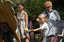První ročník benefičního rodinného dne proběhl v neděli odpoledne v Lovosicích v lesoparku Osmička.
