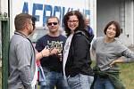 Den otevřených dveří na roudnickém letišti přilákal sice jen několik desítek návštěvníků, ale ti co dorazili, tak nelitovali.