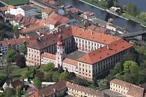 Letecký pohled na zámek v Roudnici nad Labem