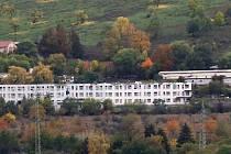 Bývalá drůbežárna nedaleko Vchynic na Lovosicku.