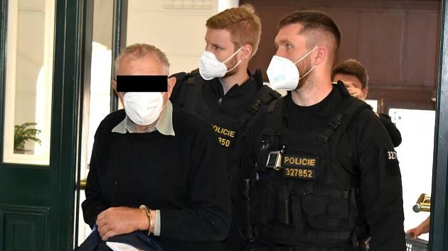 Stanislav N. na vazebním jednání u soudu v Litoměřicích