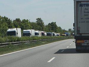Kolony u dálnice D8