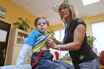 ORDINACE dětské lékařky Miroslavy Šormové se v posledních dvou týdnech plní malými pacienty oproti jiným dnům  až trojnásobně víc. Jednou z příčin je špatné ovzduší.