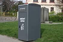 Chytrý odpadkový koš lisuje odpad a sám si zavolá popeláře.