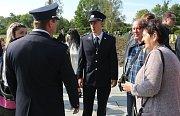 Noví příslušníci Hasičského záchranného sboru Ústeckého kraje slavnostně složili služební slib na Národním hřbitově v areálu Památníku Terezín