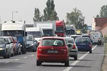 Opravy silnic v Litoměřicích.