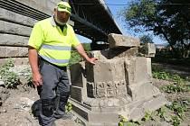 Stavbaři našli základy  mostu z 18. století