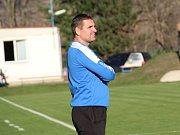 Lovosice (v modrém) - Žatec (v zeleném), KP, trenér Lovosic Roman Podrazil