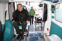 Litoměřická nemocnice má nový sanitní vůz.
