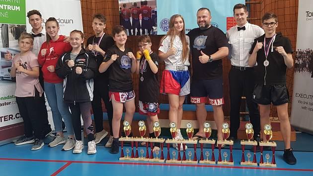 Kickboxeři Bohušovic/Lovosic brali devět zlatých medailí na Národním poháru v Praze.
