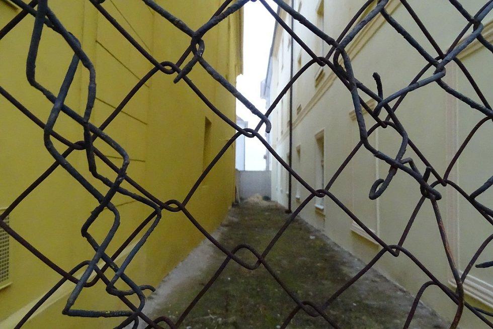 Kapucínská ulička je již léta uzavřena.