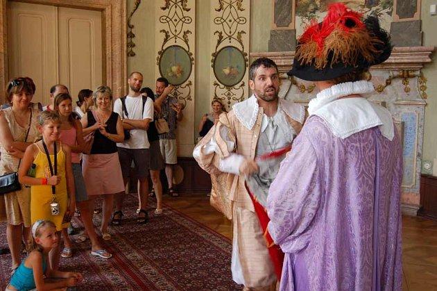 Živé obrazy na Státním zámku v Ploskovicích tradičně obohatily prázdninové prohlídky.