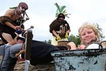 Úštěcké jezero Chmelař opět po roce dobývali piráti.