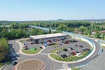 V prostoru bývalého autobusového nádraží ve Štětí vyroste už brzy nová prodejna společnosti Lidl. Vizualizace
