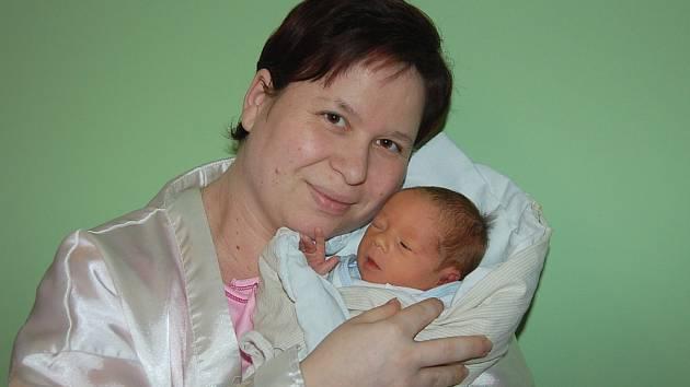 Janě Deutschové ze Štětí se v litoměřické porodnici 6. března  v 11.58 hodin narodil syn Dominik Deutsch (49 cm, 2,37 kg).