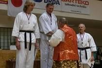 USPĚLI. Turnaj v Brně skončil úspěchem tradičních karatistů z Litoměřic a Roudnice. Hned několikrát se objevili na stupních vítězů.