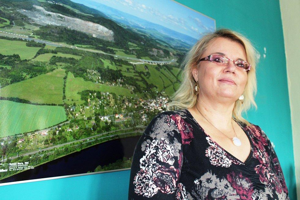 Starostka Prackovic nad Labem Andrea Svobodová Křešová.