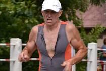 NA TRATI. Václav Zemler zvítězil před rokem v kategorii nad 50 let a celkově skončil na 11. příčce.